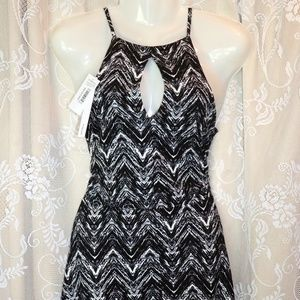 NWT Keyhole Dress from AQUA Size Medium